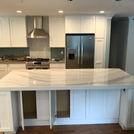 Cambria Brittanicca Island (2.5″ Miter Edge) & Kitchen